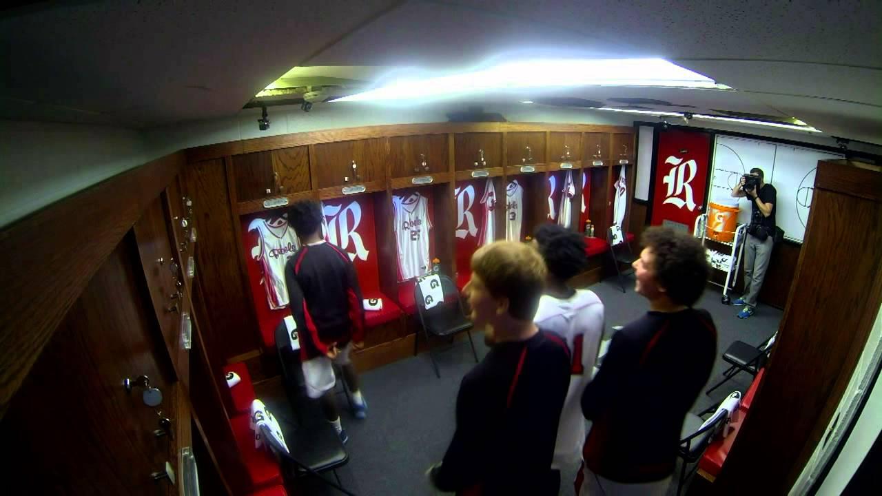 Dwyane Wade Surprises High School With Locker Room ...