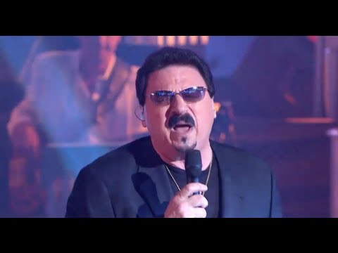 Bobby Kimball (Toto) chante Hold The Line en Live dans les A