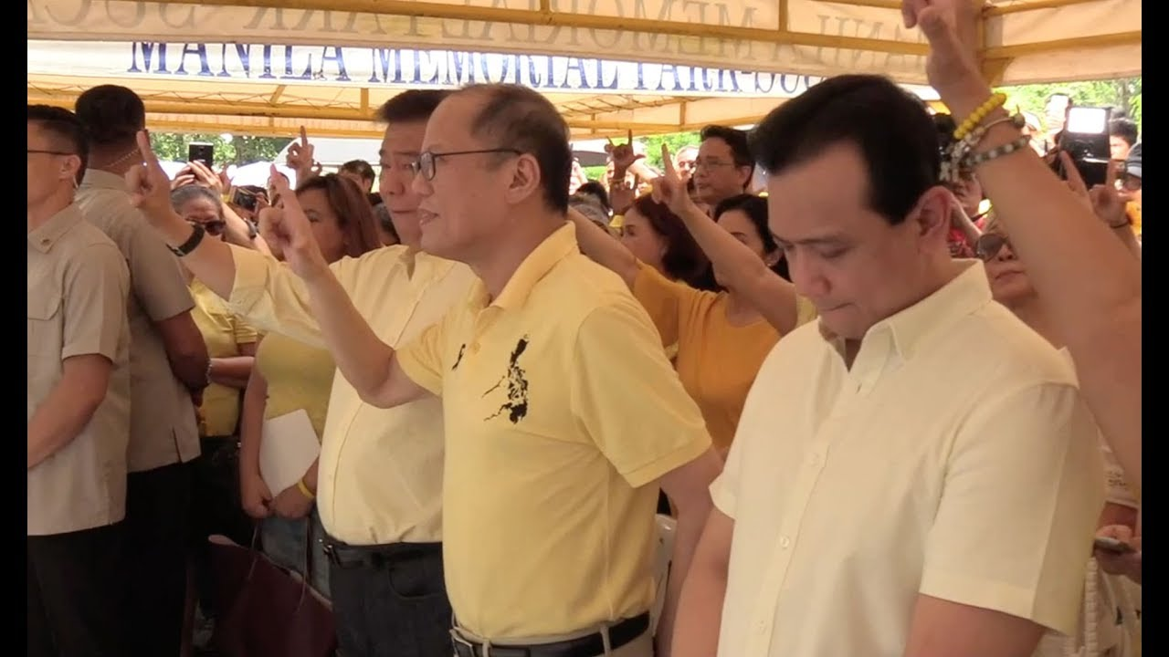 Noynoy leads 35th death anniversary rites for his father Ninoy Aquino