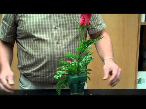 How To Make A Contemporary Berry Hedge Flower Arrangementиз YouTube · Длительность: 9 мин4 с