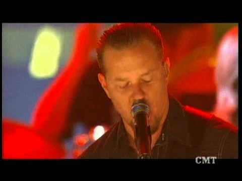 Flashback: Watch Metallica's James Hetfield Cover Waylon