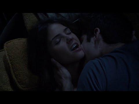 В какой серии малия и тео поцелуются