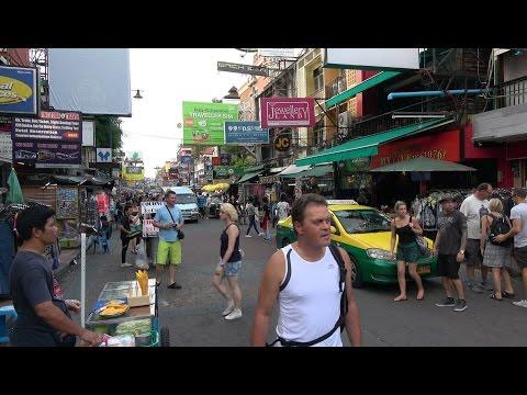 Way to Wat Saket - Golden Mount, Bangkok, Thailand