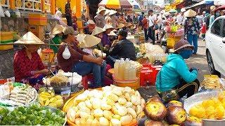 Những món ăn đường phố ở Miếu Bà Chúa Xứ Châu Đốc | Street food in Ba Chua Xu Temple