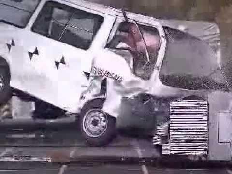 Краш-тест  Mazda Bongo / Nissan Vanette / Mitsubishi Delica crash test