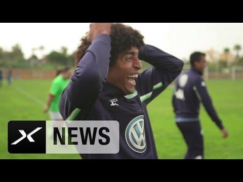 Mitten im Interview: Dante flippt vor Freude aus | VfL Wolfsburg