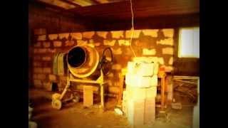 Дом из керамзитобетонных блоков своими руками(Строил сам своими руками начиная с фундамента и заканчивая крышей в помощь был только один помощник. Срок..., 2013-12-17T19:57:40.000Z)