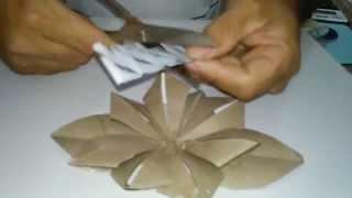 Flor de canudo de papel higiênico ( reciclagem)