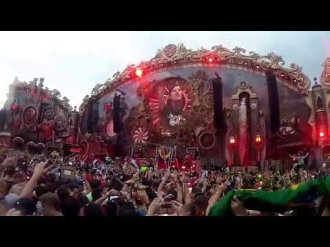 Avicii playing Addicted to you at Tomorrowland 2014