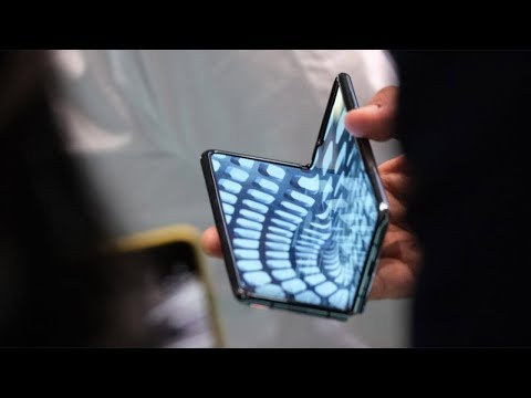 a-hands-on-look-at-samsung's-galaxy-fold-phone
