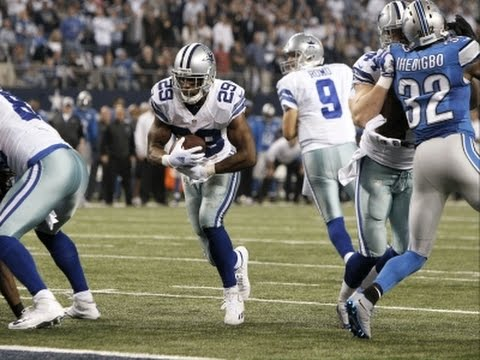 Cowboys RB Murray Runs Off With Offensive Player