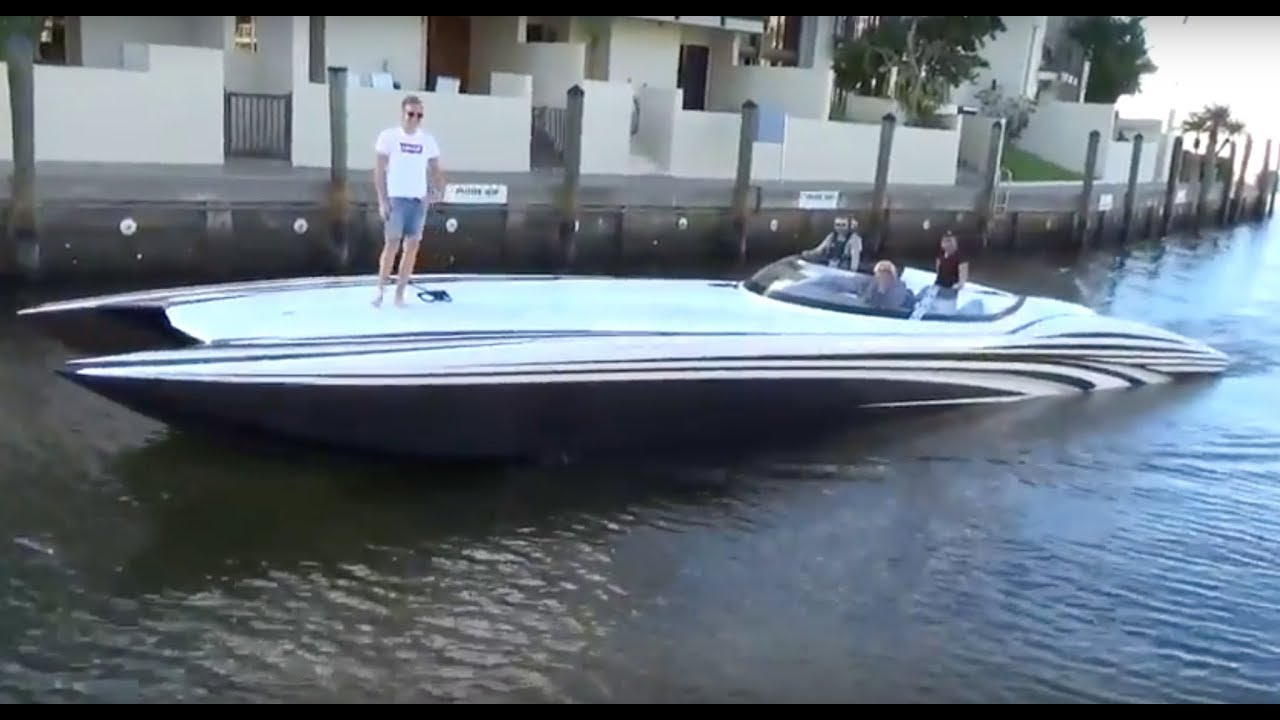 MTI 52 Boat driving from Miami to Key West in Forida Poker Run 2017