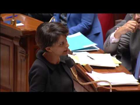 Najat Vallaud-Belkacem à l'Assemblée suite aux attentats de janvier 2015 (1)