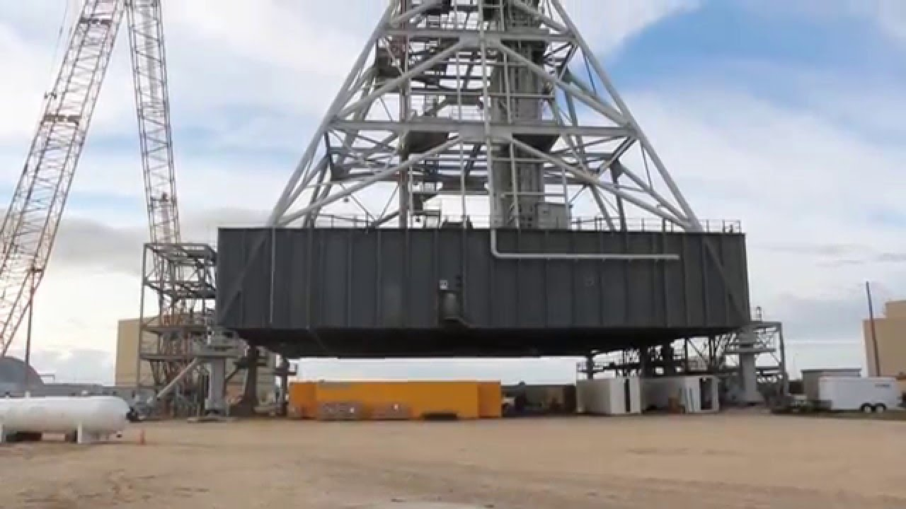 NASA Mobile Launch Platform (MLP) for the Space Launch ...