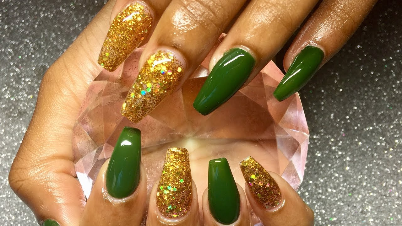 How To Acrylic Nails Gold Glitter And Green Gel Polish Simple Cly