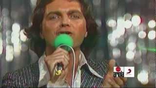 Download CAMILO SESTO ( Vivir asi es morir de amor - en vivo 1978 ) HD MP3 song and Music Video