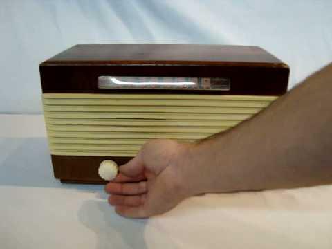 1947 Garod Radio Corp Wood 6A-2 Tube Radio