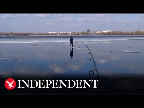 Ukrainian-man-rescues-child-floating-on-ice-with-fishing-tackle