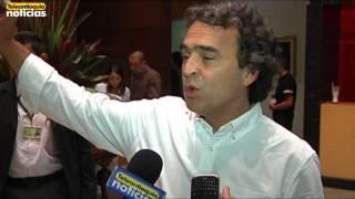 """Gobernador de Antioquia quiere multiplicar su propuesta """"Antioquia la más educada""""."""