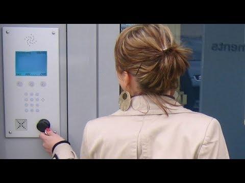 Ouvrir une porte avec un smartphone doovi for Comment ouvrir une porte de garage basculante sans clef