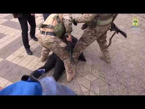 В Краснодаре полицейские задержали подозреваемых в вымогательстве