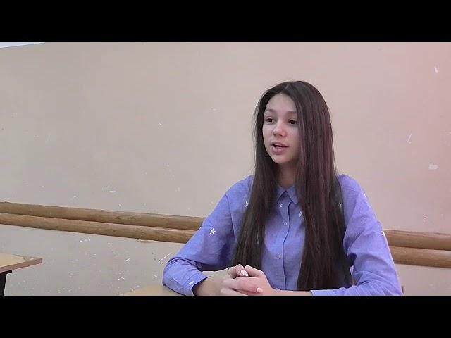 Изображение предпросмотра прочтения – АлёнаЧережонова читает произведение «Я только девочка.» М.И.Цветаевой