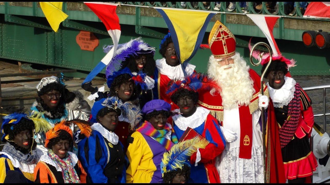 Sinterklaas Arriveert In De Haven Van Hellevoetsluis Met Zwarte Pieten 2016 Youtube