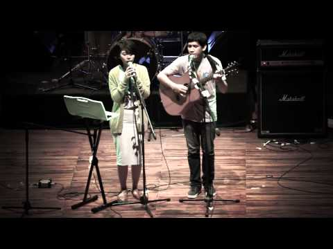 [Live Concert] Banda Neira - Rindu #SingingToilet
