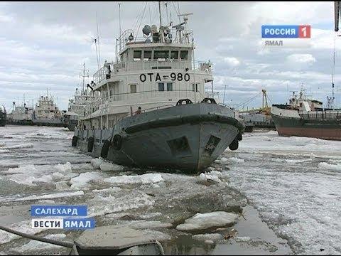видео: Речной кран всю зиму стоял во льдах Полуя