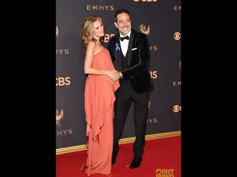 Hilarie Burton Is Pregnant! Jeffrey Dean Morgan Holds Her Tiny Bump at Emmys 2017