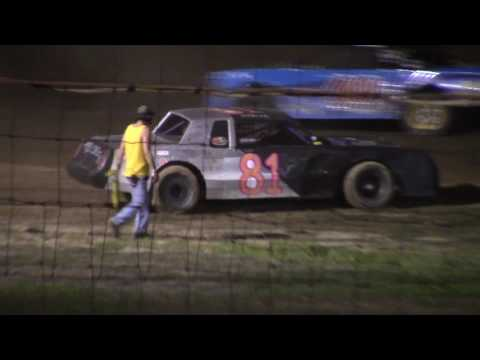Hummingbird Speedway (8-27-16): Sunny 106.5 FM Pure Stock Feature