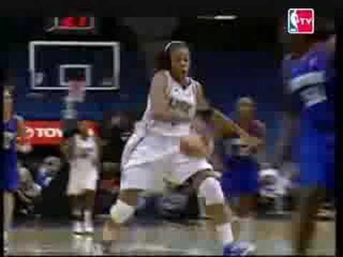 WNBA Play Of the Day- Seimone Augustus