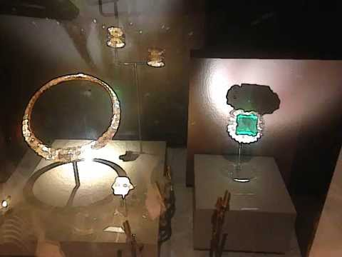 Smithsonian National Museum of Natural History Hope Diamond Gems in Washington DC
