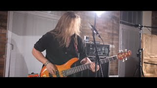 """Bloody Heels – """"Ignite The Sky"""" (Live From The Studio)"""