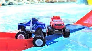 Машинки для детей — Вспыш и друзья машинки строят мостик