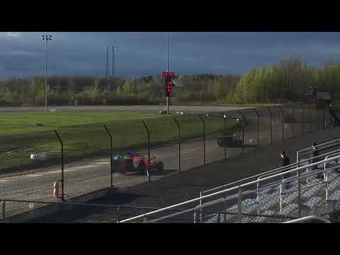 Practice at Mohawk International Speedway.