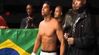 CAPOEIRISTA FAZENDO BONITO EM ESTRÉIA NO MMA. thumbnail