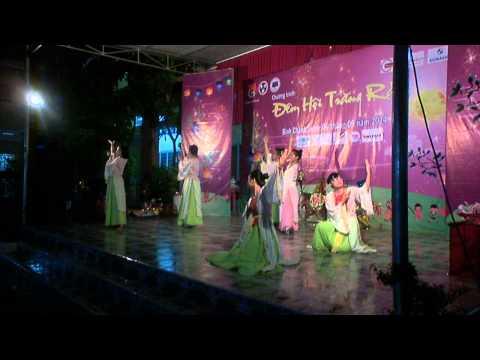 Múa chị Hằng - Nhà Thương Điên - Vui Hội Trăng Rằm 2014