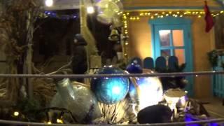 Новогодний Домик на Владимирской улице в Киеве 2014(VIDEO LINK = http://youtu.be/rcYbomJ4qbA Новогодний Домик около ресторана на Владимирской улице около Софийского Собора..., 2014-12-23T20:03:40.000Z)