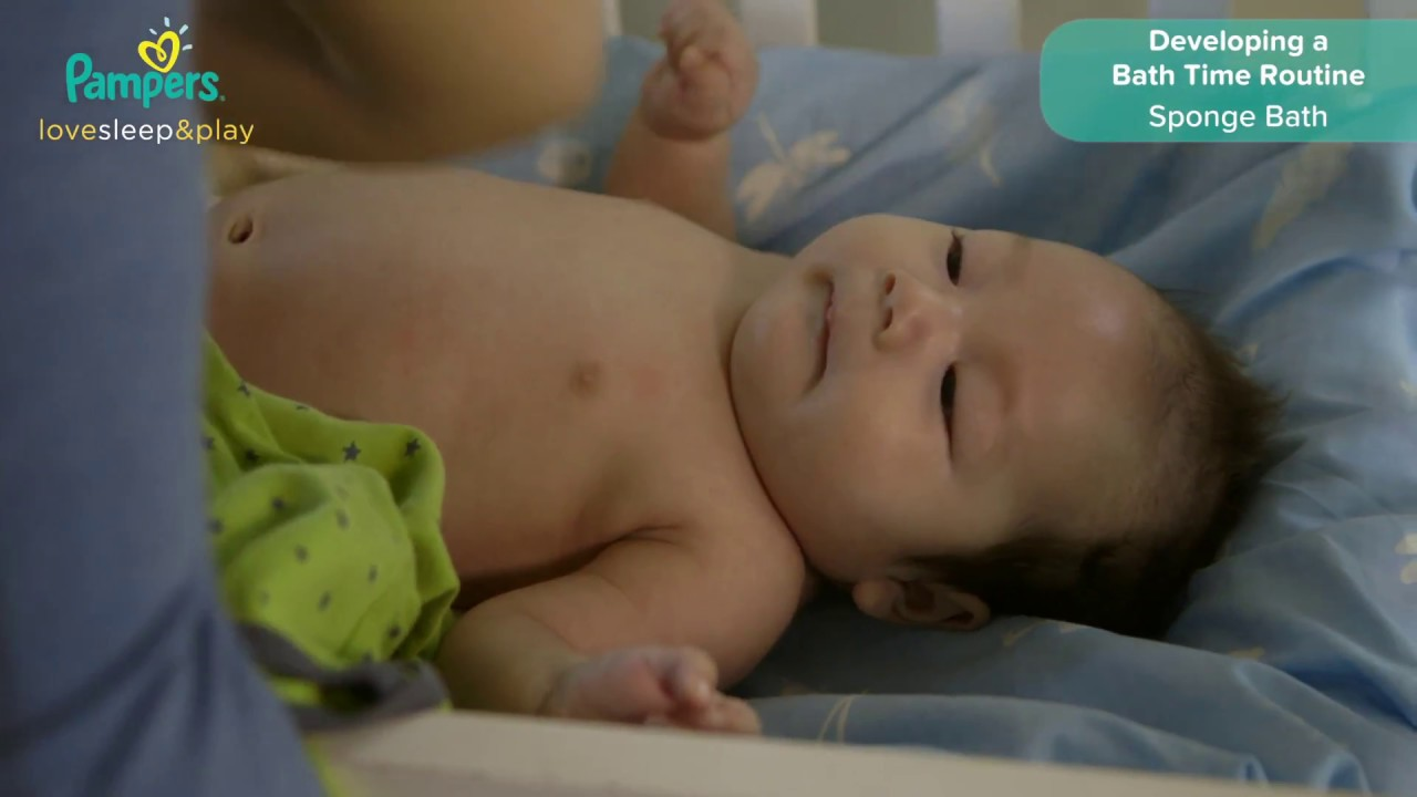 Sponge Bath for Newborn Baby | Pampers Philippines - YouTube