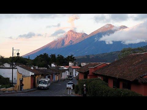 شاهد: بركان -فويغو- ينشر مجدداً الرعب في غواتيمالا  - نشر قبل 2 ساعة
