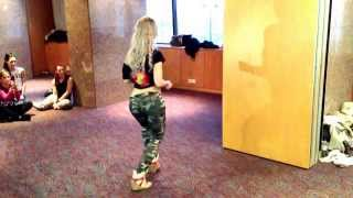 Kizomba ladies style with Sara Lopez at AfroFever 2014