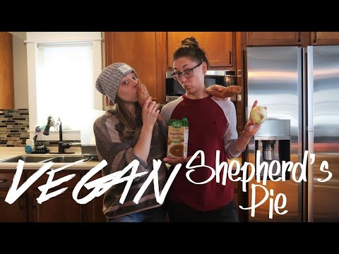 KAYLA COOKS | VEGAN SHEPHERD'S PIE + Easy Vegan Cupcakes!