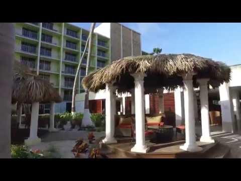 Aruba - Walking Palm Beach to Holiday Inn Resort - June 2016