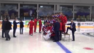 Сборная России проводит командную фотосессию перед матчем с латышами на ЧМ в Минске