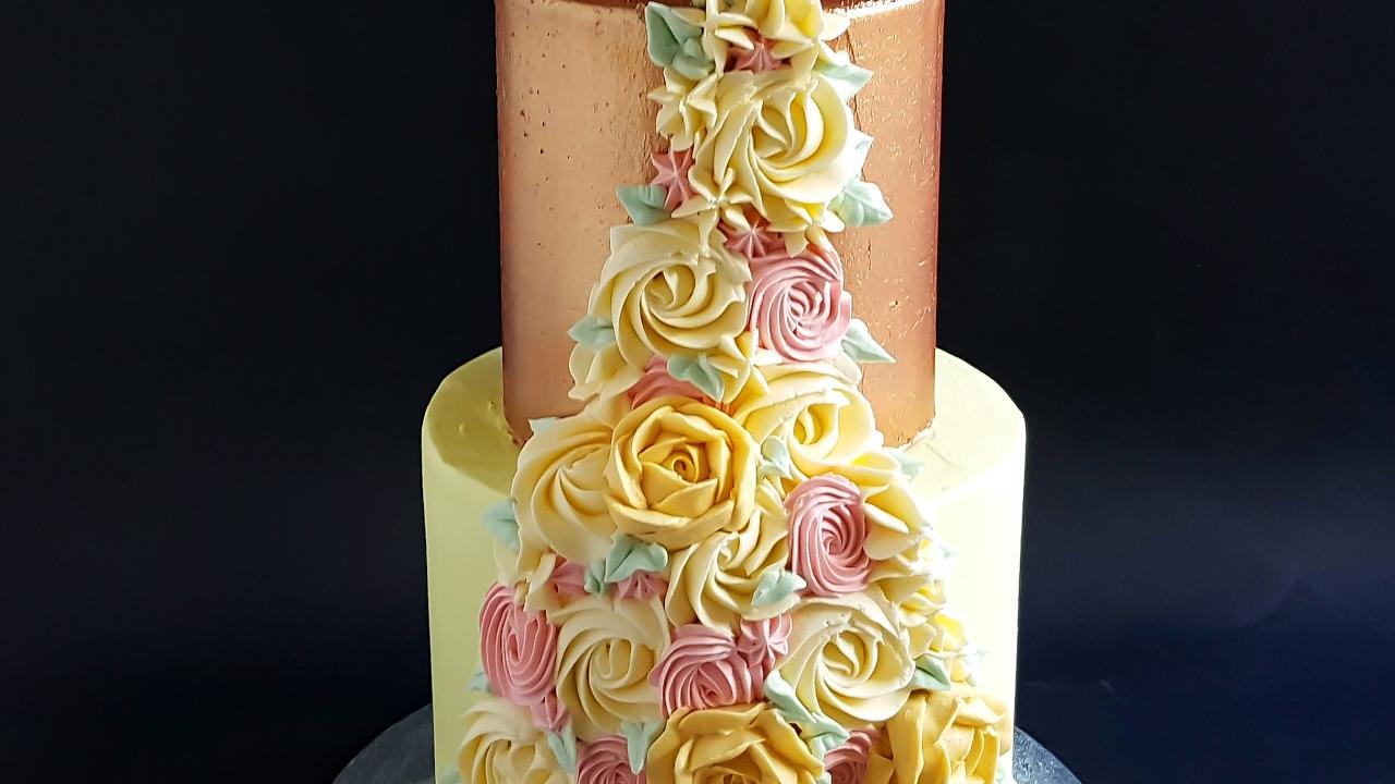 Two Tier Buttercream Floral Spray Cake- Rosie\'s Dessert Spot - YouTube