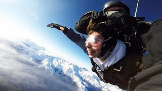 FINALLY I JUMPED OUT OF A PLANE! (16500ft Skydive)