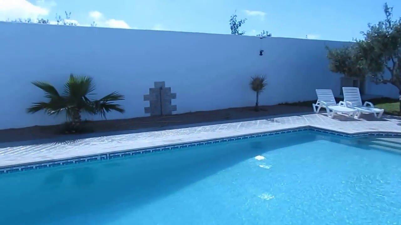 Location villa piscine 100 sans vis a vis djerba tunisie for Villa a louer agadir avec piscine