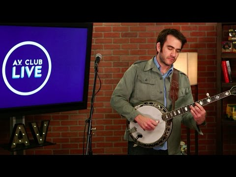 "Noam Pikelny performs ""Redbud"" live in The A.V. Club studio"