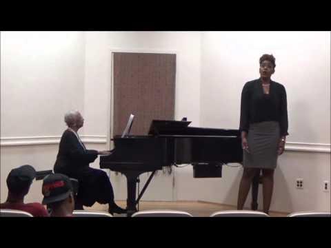Angelique Robinson, mezzo-soprano -